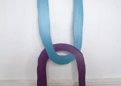 <strong>(Seing) Un (Turquoise & Violet)</strong><br />2014<br /><em>Gloss paint on aluminium,<br /> 83 x 25 x 0,2 cm</em>